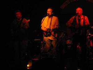 idlewheel onstage at the cutting room